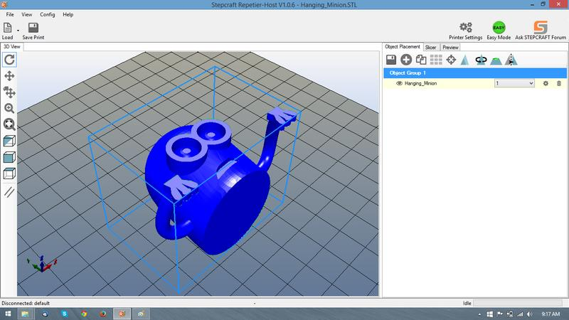 3D models can be printed both online from computer via USB, and offline via SD card.