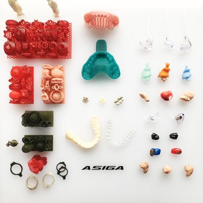 some jelewery and dental models printed on the Asiga MAX 3D printer