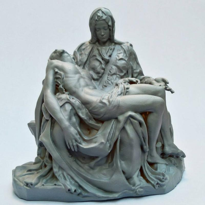 The same lab 3D printed a copy of the Pietà by Michelangelo Buonarroti. Notice how polished and well-shaped it looks.