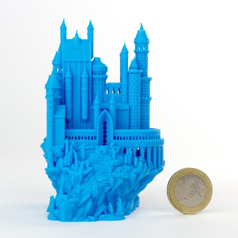 The build area of 8.3 x 11.7 x 8.3 inches (210 x 297 x 210 mm) lets you print just about anything, even a Medieval Castle.