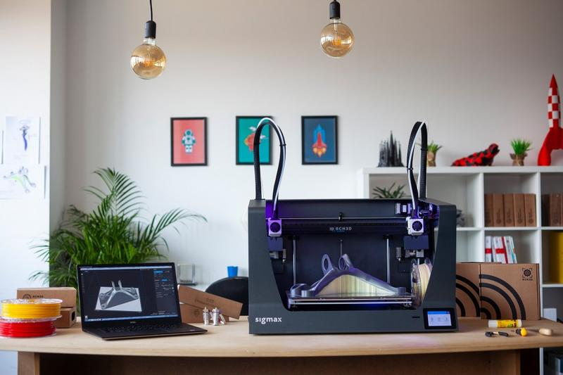 BCN3D Sigmax R19 with notebook