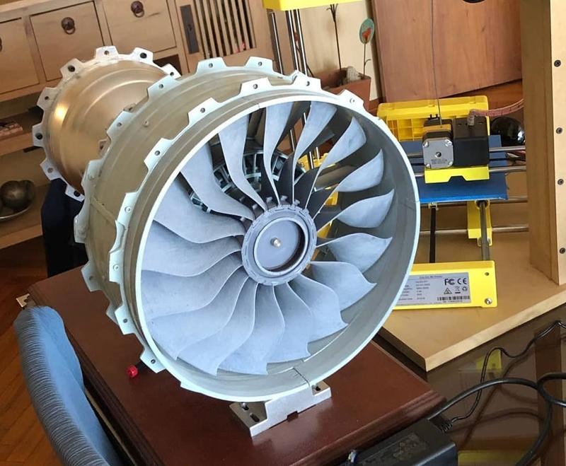 a couple of Airbus turbofans. The following pictures show the final result. Look how fine and accurate they look.