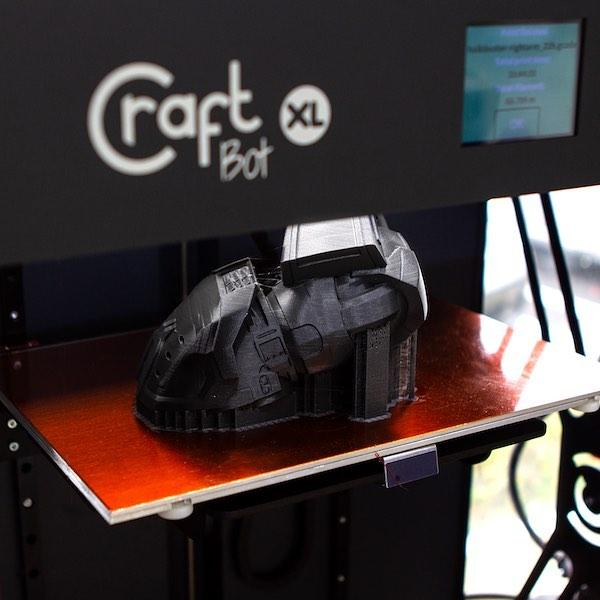 CraftBot XL prints a model with PLA