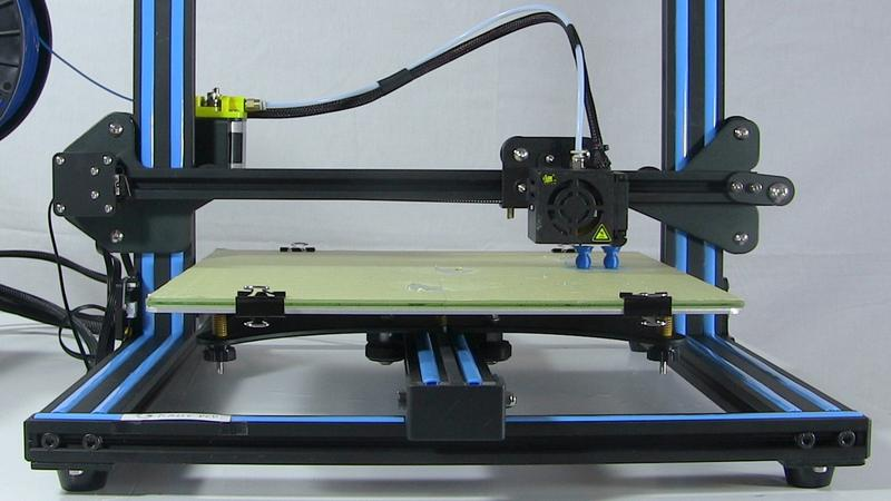 The print head runs on rails, which makes printing reliable, fast and precise