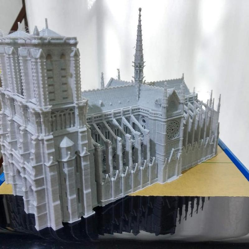 For example, one user 3D printed a replica of the popular Notre-Dame de Paris with marble PLA.