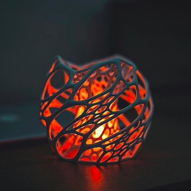 This cool lamp is a demonstration of what the printer can do with complex geometries and bridging.