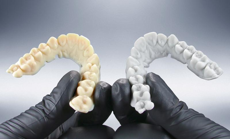 The EnvisionTEC Vida 3D printers in his dental practice. The surface quality and dimensional accuracy of these patient-fitted models are really high.