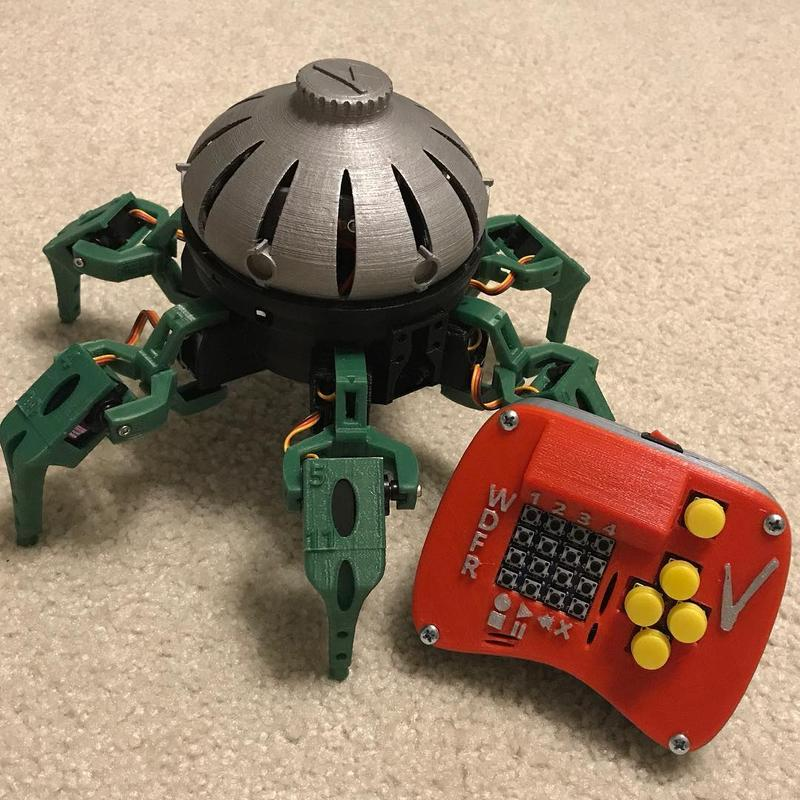 the remote-controlled hexapod. Printed with multiple materials (mainly PETG), it shows accurate components and clean edges.