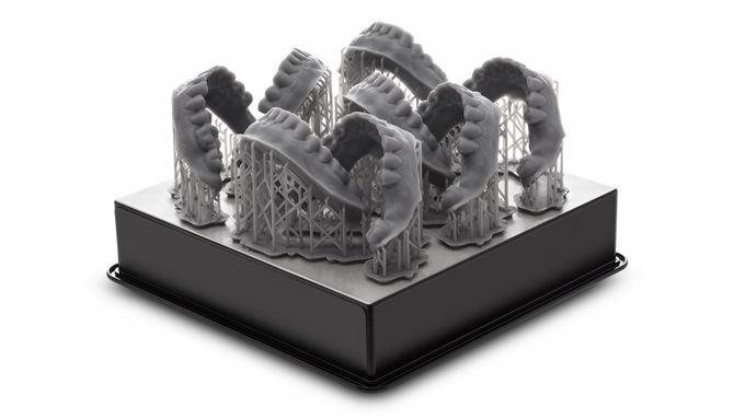 The build area of 5.7 x 5.7 x 6.9 inches (145 x 145 x 175 mm) lets you print interesting and functional 3D models in batch, just like this set of dental arches.