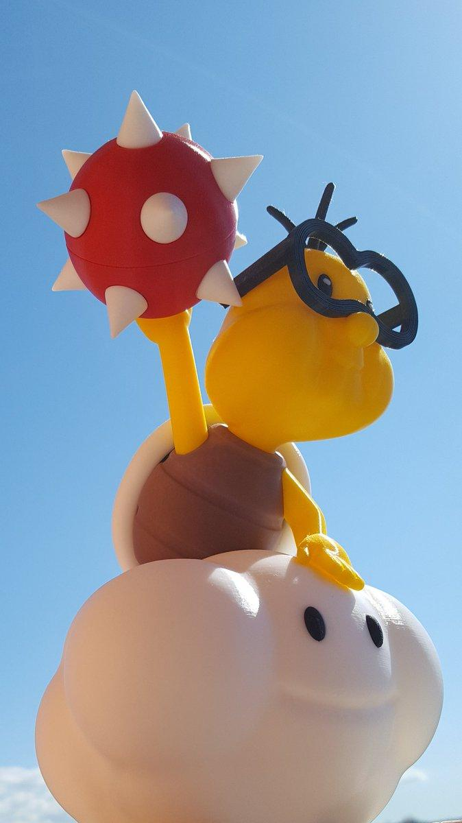 One user 3D printed this cool Lakitu from Mario games. It has been printed with a standard 0.4 nozzle at 0.2 layer height.