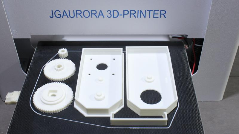 The JGAURORA A3S has a heated print bed coated on glass and adhesive surface, which makes it suitable for printing with ABS-type materials.
