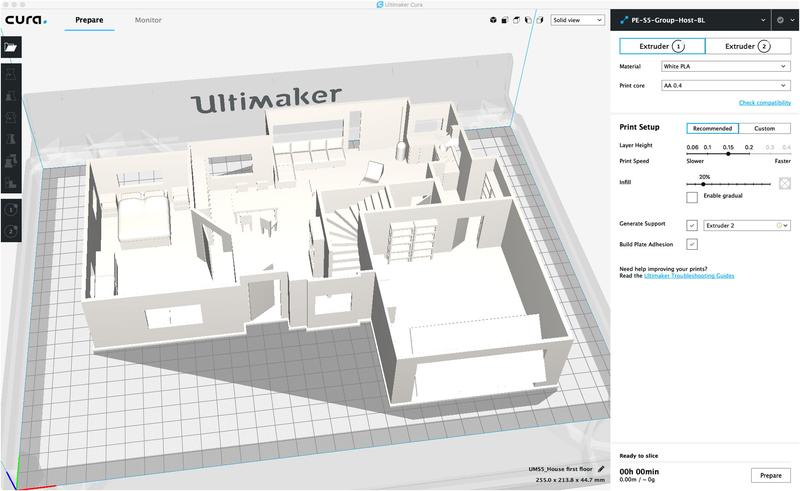 Even if the printer comes with the JGCreat software, the manufacturer recommends using Ultimaker Cura slicer to prepare your printing models. It runs on Windows, Linux, and Mac OS and works with the most popular 3D model formats.