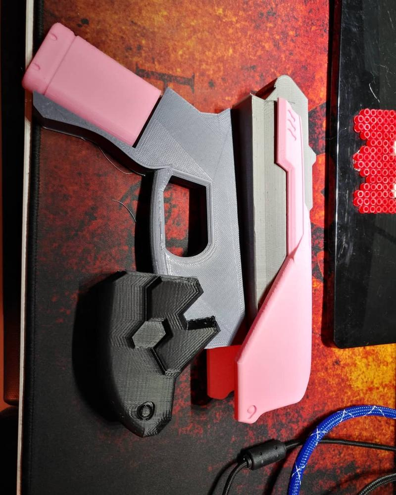 Look at the clean edges and dimensional accuracy of this work-in-progress gun. It looks pretty cool.