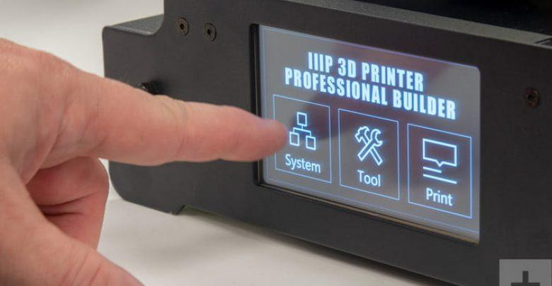 A built-in touchscreen allows easily and quickly navigating through the printing resources