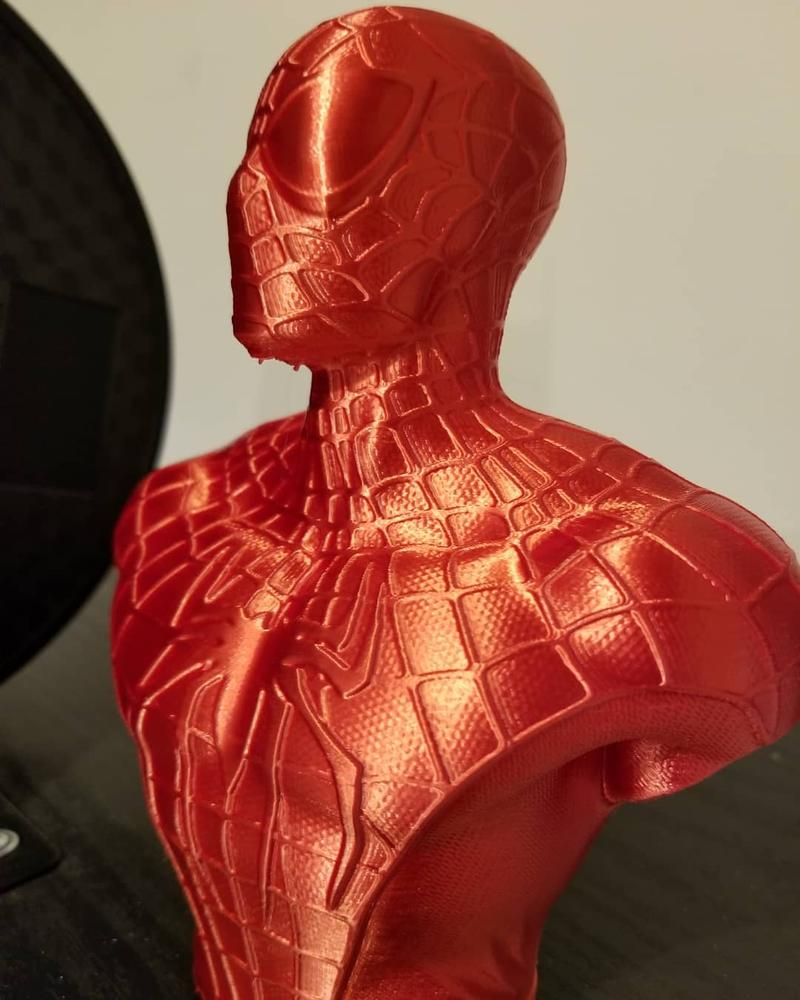 the spider man's buste printed on the Monoprice Maker Select v2 3D Printer