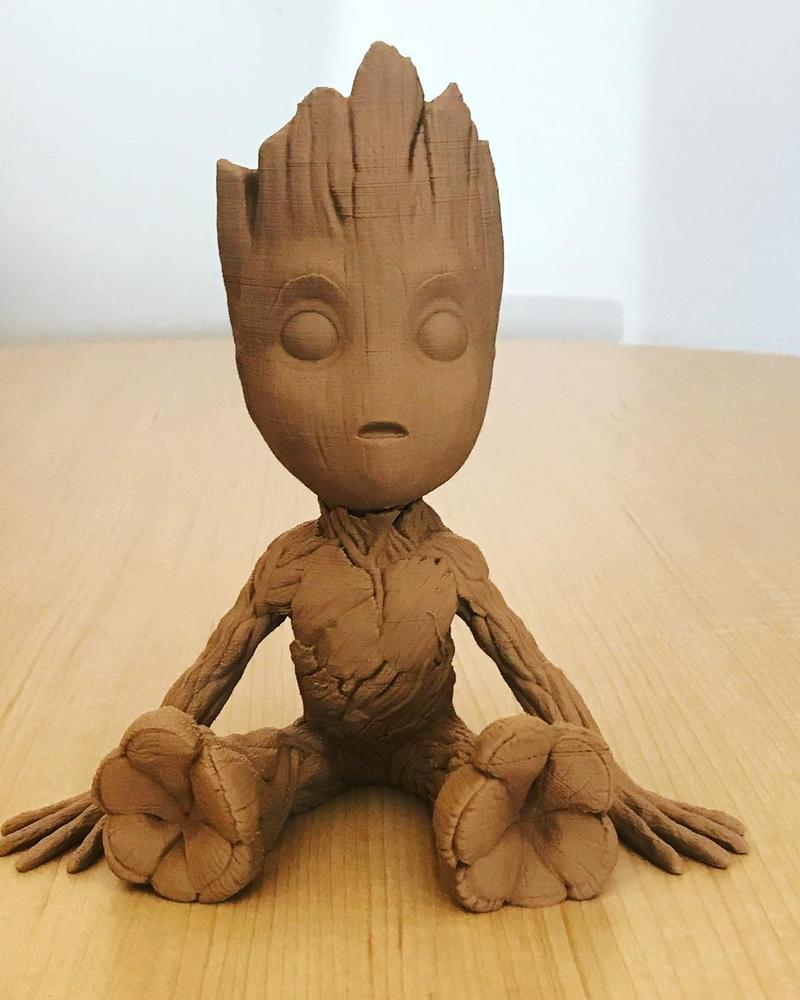 Just look how well-defined this Baby Groot made of wood infused PLA is