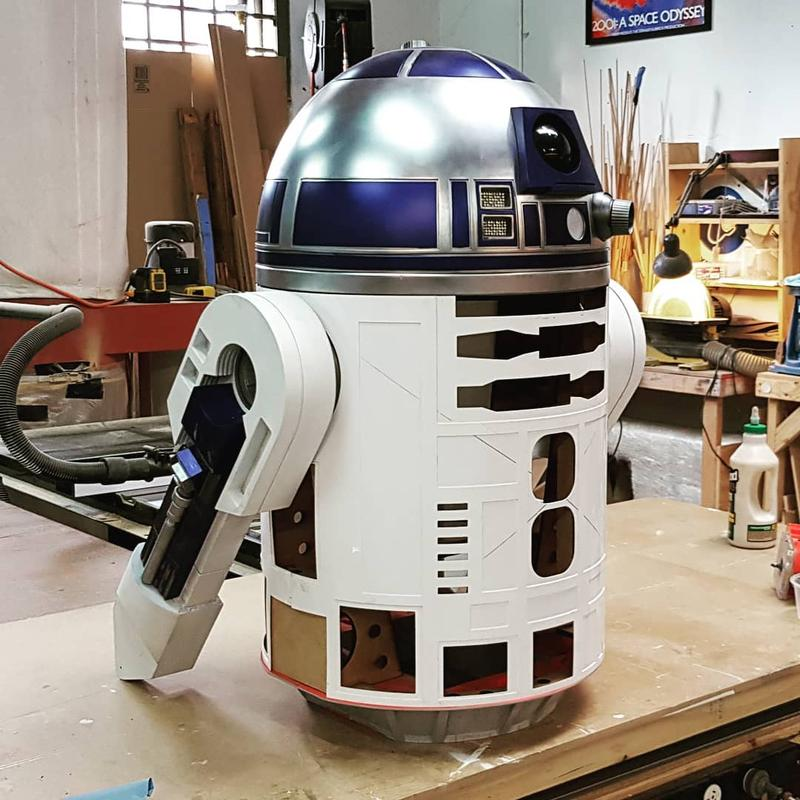 It enables you to build up even a faithful R2-D2 moai 200 3d printer