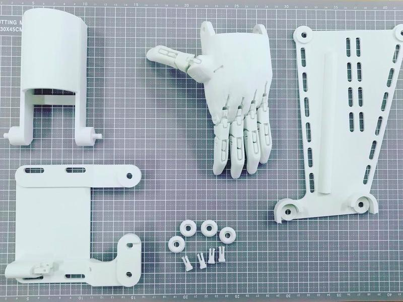 it was used to print an arm prosthetics. Made with CyberFiber PVA and REC Relax materials, it ensures a perfect fit and optimal performance.