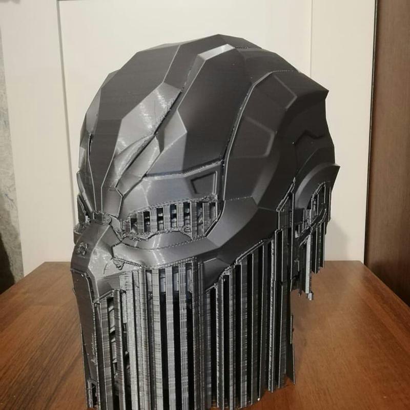 the helmet printed on the desinger xl 3d printer
