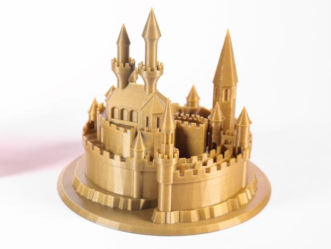 Despite its basic functionality, one user has been able to print such a great castle.