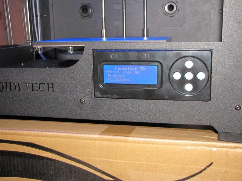 fitted LCD display with 5 control buttons qidi tech 1
