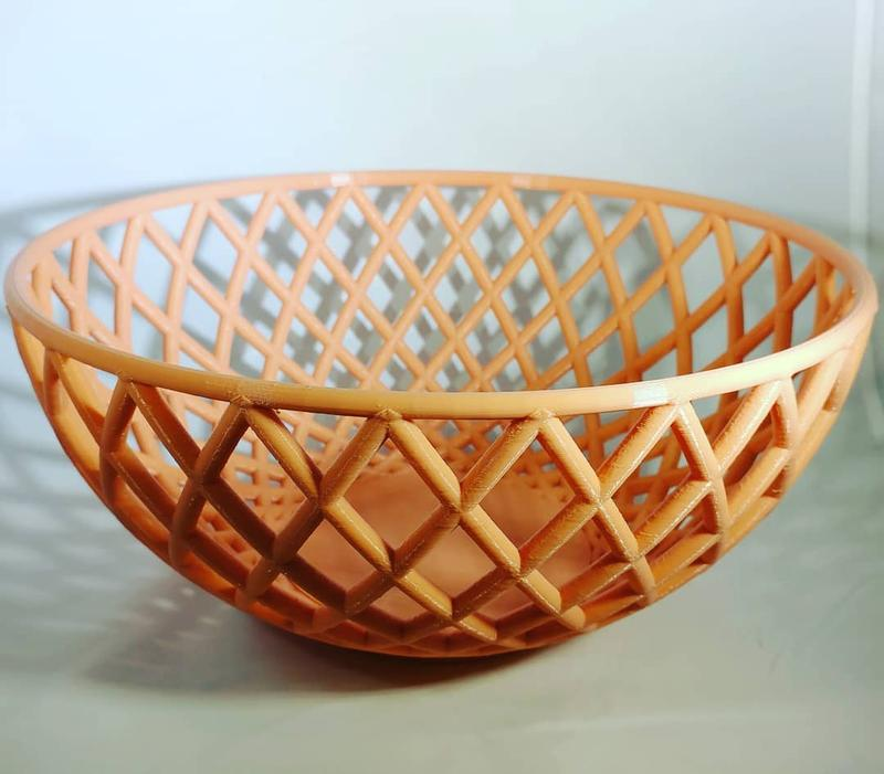 The Tech 1 shows good skills at bridging as well. Look at the basket bowl printed by an Instagram user.