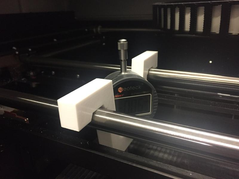 The print head runs on rods with linear bearings, making the design more simple, lightweight and effective, all characteristics that are desirable in a 3D printer.