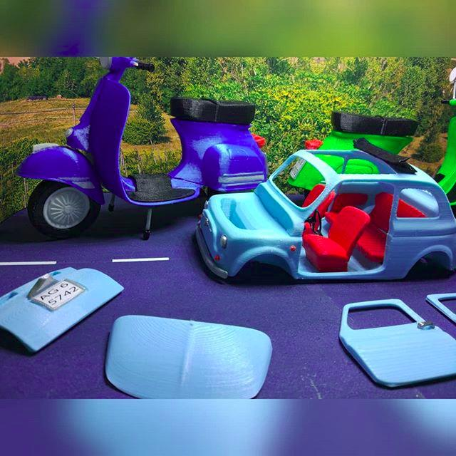 3d model vespa and car