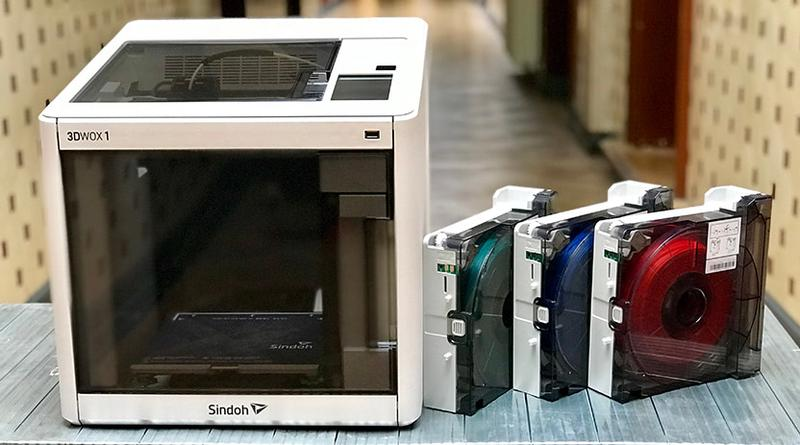 The Sindoh 3DWOX1 prints with both proprietary filaments and 1.75 mm open-source material, providing you with a wide choice of materials.