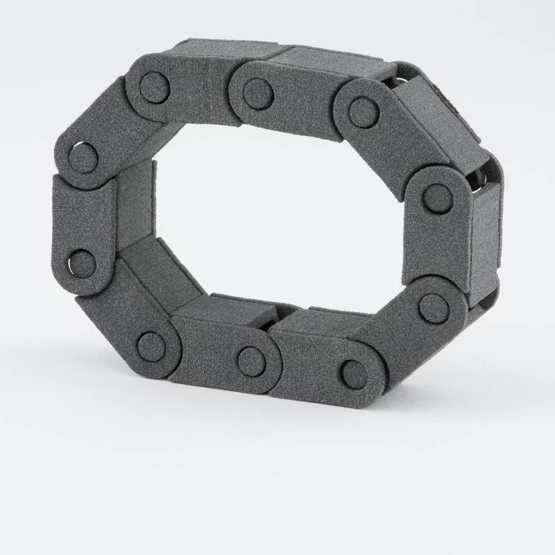 This functional chain shows an effective interlocking mechanism. All the components perfectly fit together.