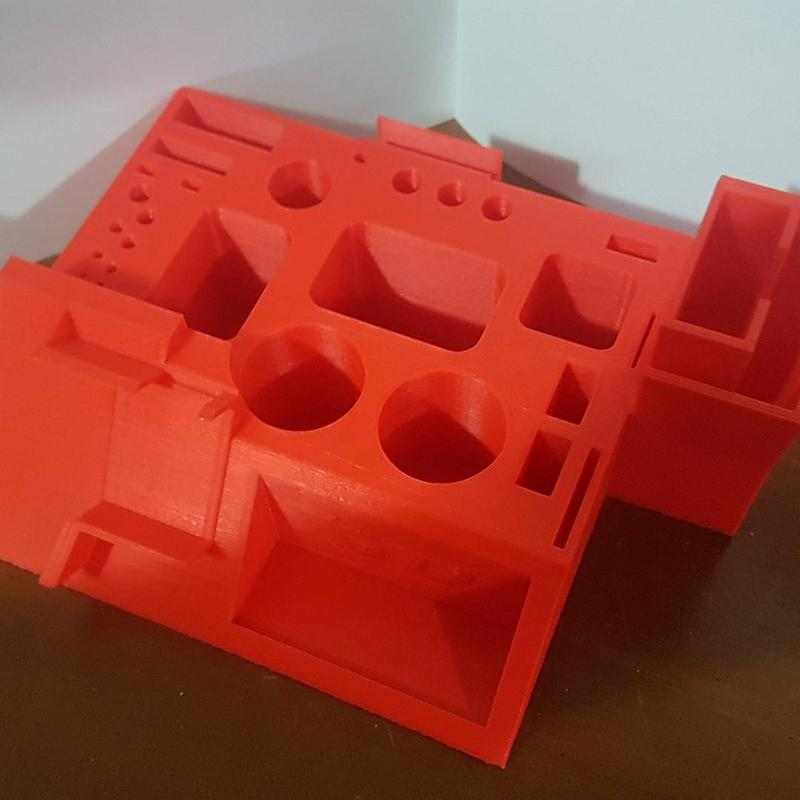 3d printer Tronxy P802E prints with PLA, ABS and other materials.
