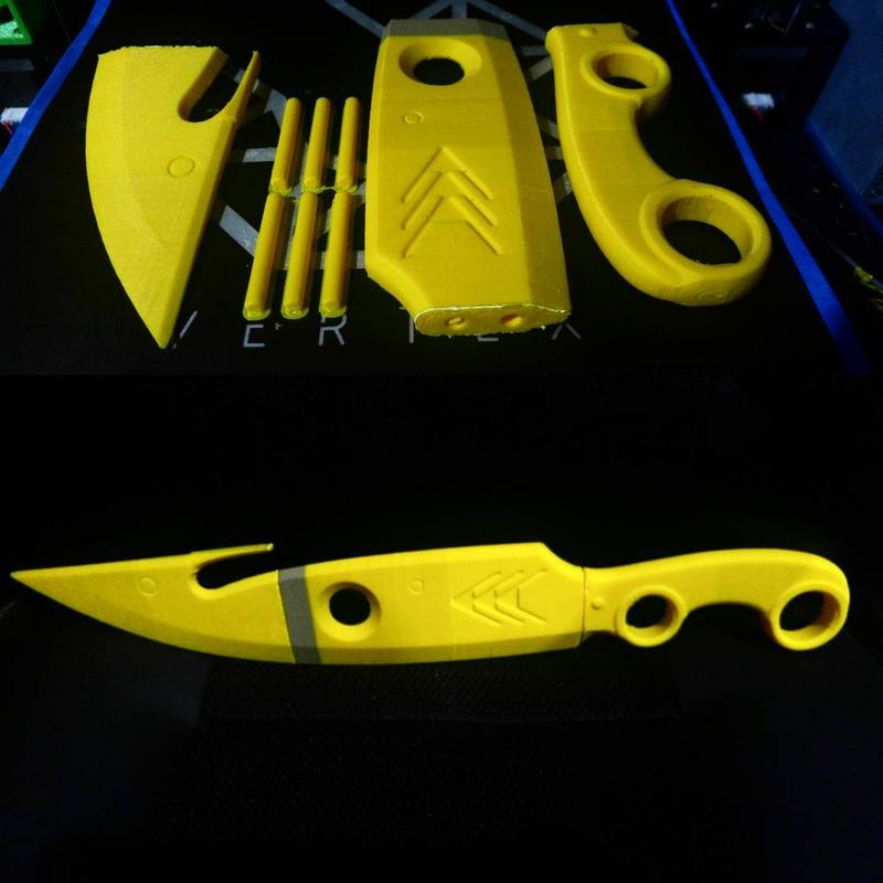printed a knife splitting it into multiple parts. Look how accurate and sharp it is