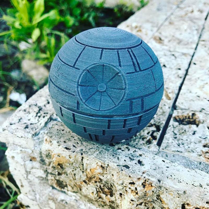 Tronxy P802M prints with PLA, ABS and other materials.  Star wars printed