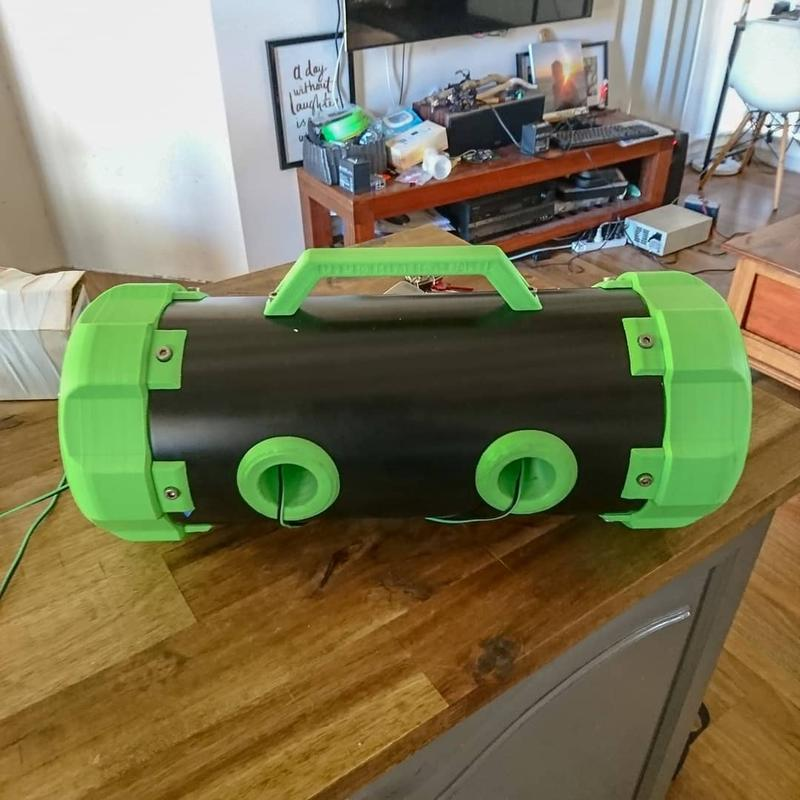3D printed this massive bluetooth speaker.