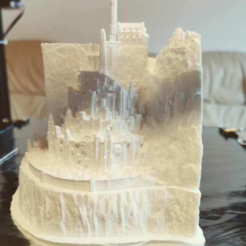 After almost 25 hours of printing at 0.12 layer height, the Minas Tirith castle has been finally rebuilt