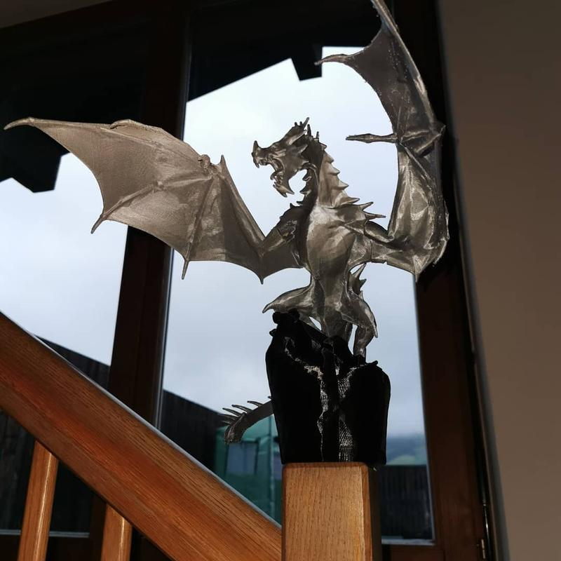 printed this immense, powerful Alduin. Made with silver PLA