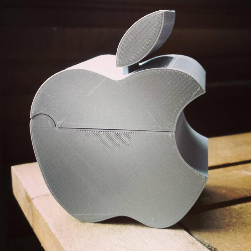 One user 3D printed an Apple-inspired trash can, for one thing.