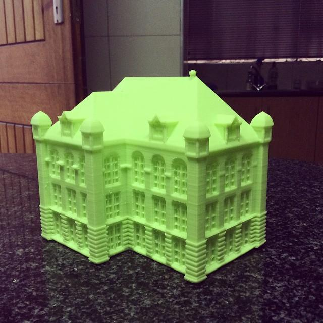 The build area of 8.9 x 5.7 x 5.9 inches (225 x 145 x 150 mm) lets you print almost anything you want to, even a big house.