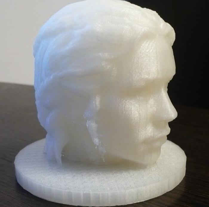 The Wanhao Duplicator i3 v2.1 can print at 50 microns