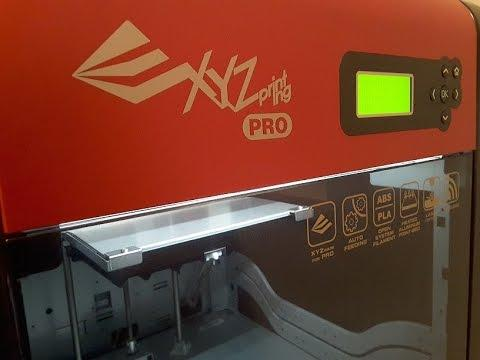 The printer can be easily controlled via the built-in, button-operated LCD interface. The 5 keys enable easy navigation.