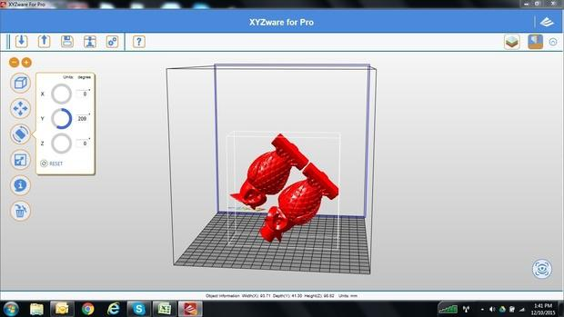da Vinci Pro comes bundled with XYZware, the in-house slicer that works with the most common 3D model formats (STL, OBJ, DAS)
