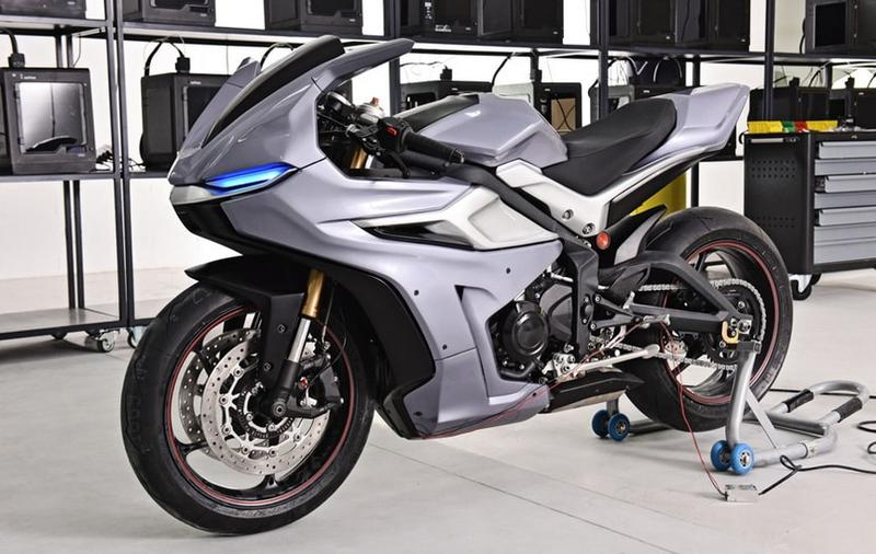 This pic shows the same motorcycle after the upgrade. It has been completely redesigned. All the external body has been printed on a Zortrax M300 Plus