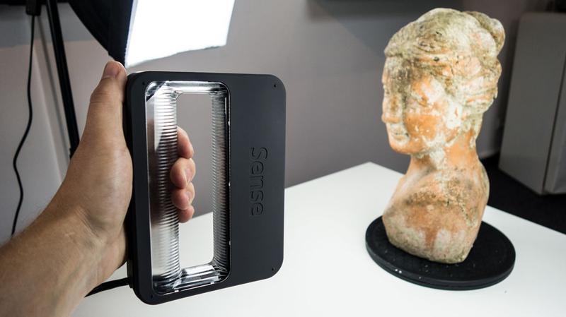 scanninig procces Sense 2 3D scanner