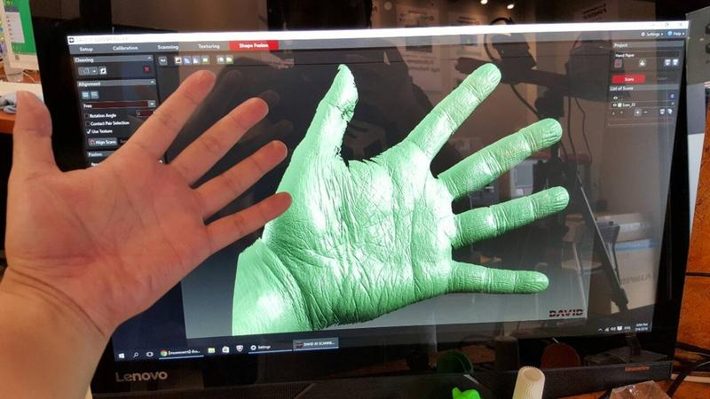Look at the accuracy of this scan. You can even see the tiny grains of the hand.