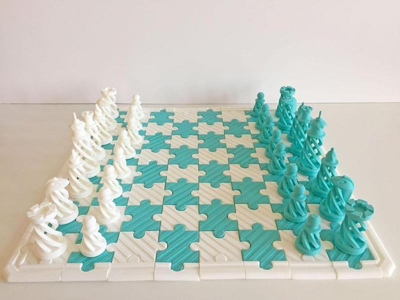 Chess and chessboard on 3D printer
